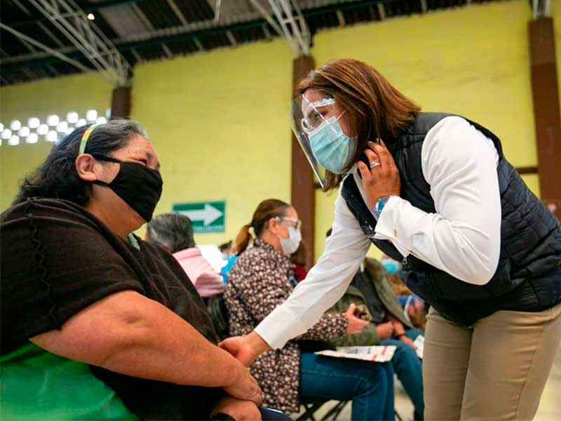 1,380 abuelitos vacunados en San Antonio La Isla