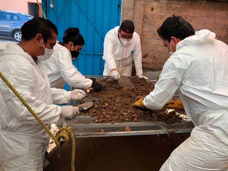 Hallan restos de 17 personas en Atizapán